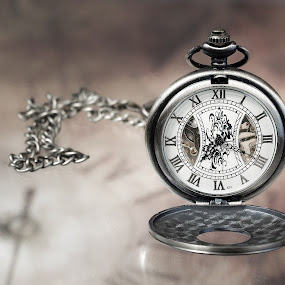 the clock by Dirk Rosin - Artistic Objects Still Life (  )