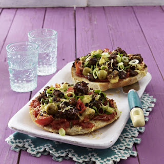 Flatbread Pizza with Ground Beef.