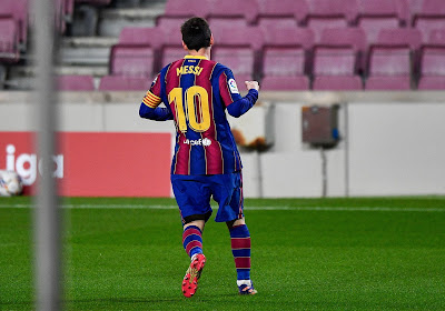 🎥 Mooie beelden: Verbazing bij Elche-doelman nadat Messi om zijn shirt vraagt