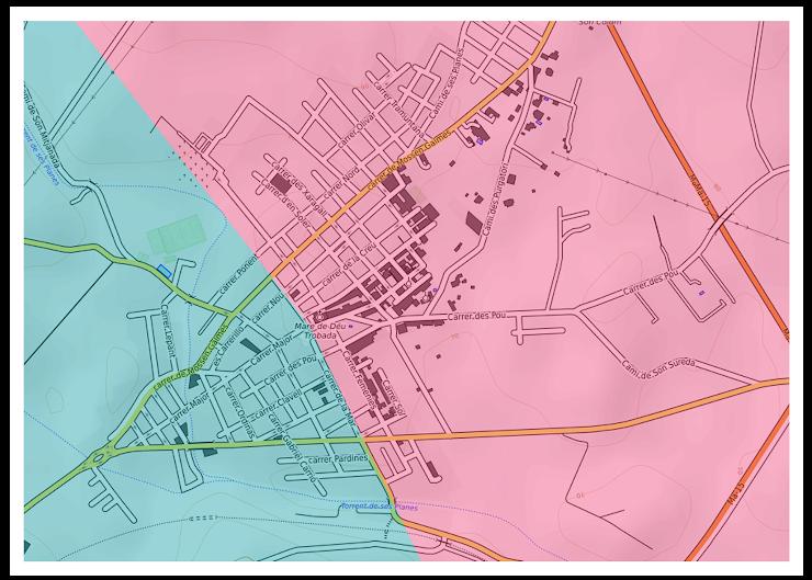 El carrer que et pot servir de referència, i que divideix les barriades és carrer de la Mar (que va des de el creuament que hi ha La Caixa a la carretera d'Artà, passant per davant el Bar Nou, arribes a la plaça de l'esglèsia i baixes fins a la carretera de Son Servera pel carrer que queda entre el Bar VB i El Hontanar).