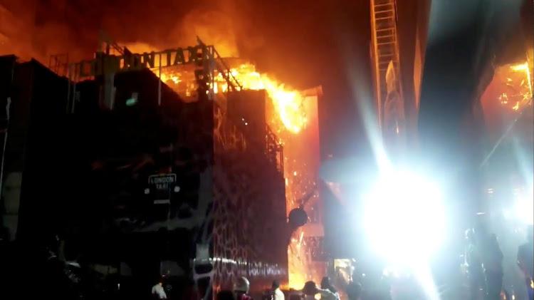 huge fire at mumbai restaurant kills at least 14