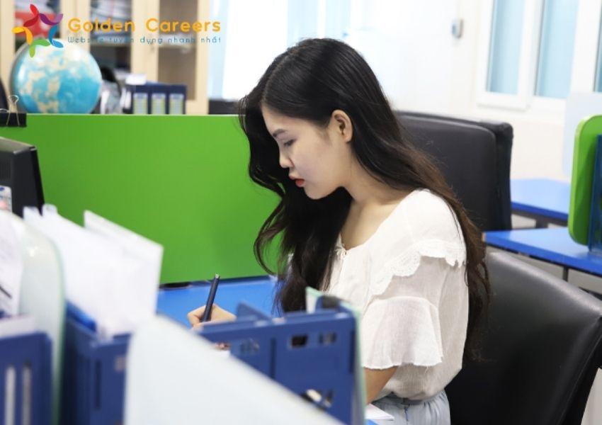 Thực tập sinh xuất nhập khẩu nên bổ sung kiến thức nghiệp vụ