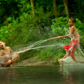 Water Fun by Ismail Ahmad - Babies & Children Children Candids