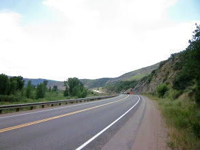 Photo: After getting Steamboat Springs. We have 70mile loop. I'm heading to Hayden. It is busy road. But, I'm grad it is gently descent and wide shoulder until here. Ahead of here, I saw road construction. We waited about 20min when we can passing it.... It is OK. I have enough margin for limit time.