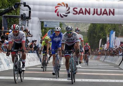 Fernando Gaviria wint eerste koninklijke sprint in Abu Dhabi