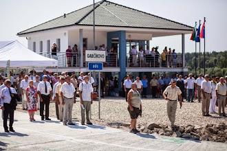 Photo: Prístavisko v Gabčíkove počas slávnostného otvorenia prístavu a prevádzky kompy Gabčíkovo - Dunaremete. Gabčíkovo, 26. júl 2013. Foto: SITA/Jozef Jakubčo
