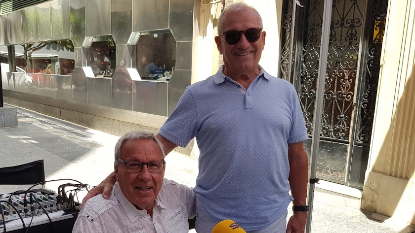 Manolo García y Paquitico hablando en la Cadena SER.