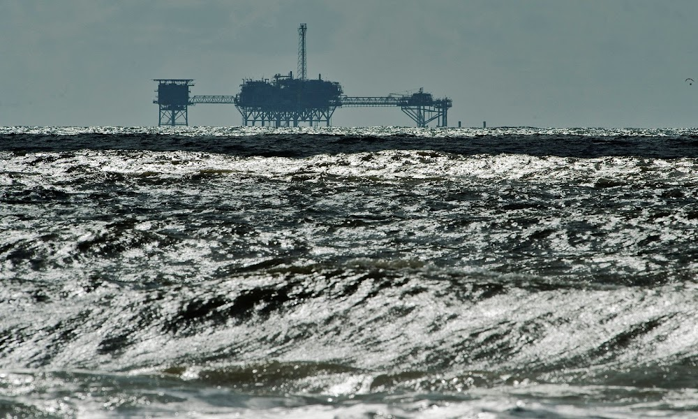 Oliepryse styg namate positiewe China-fabrieksdata die vraag na kommer verlig