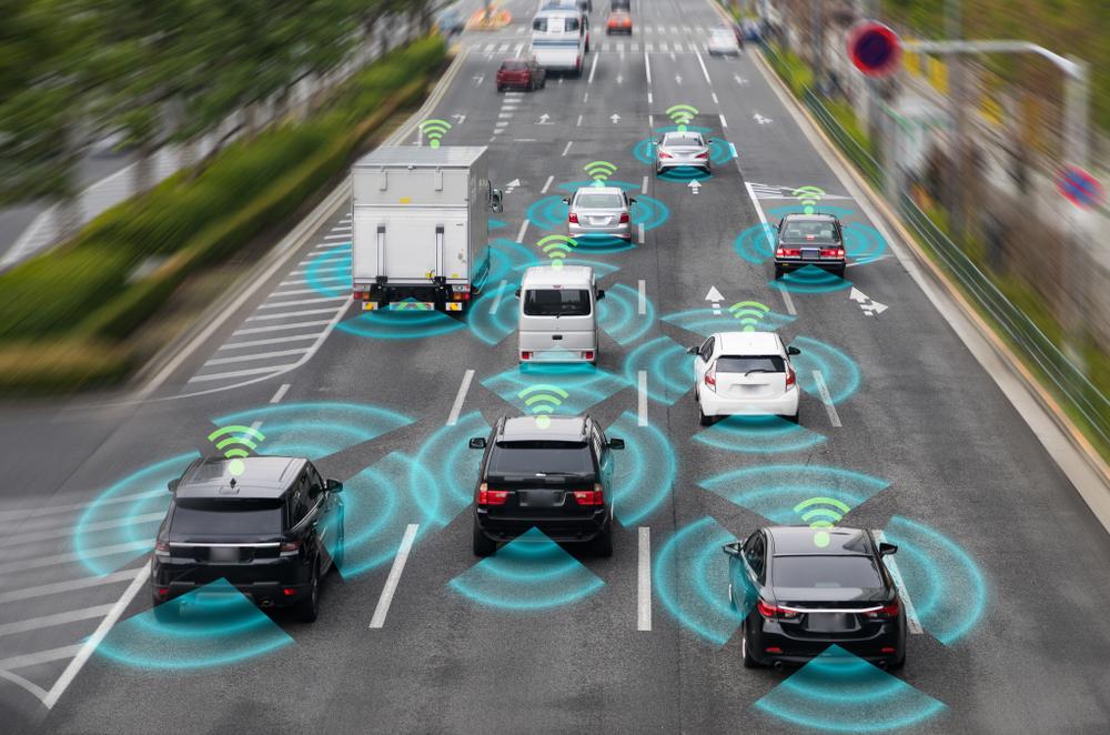 Ilustração carros autônomos nas ruas