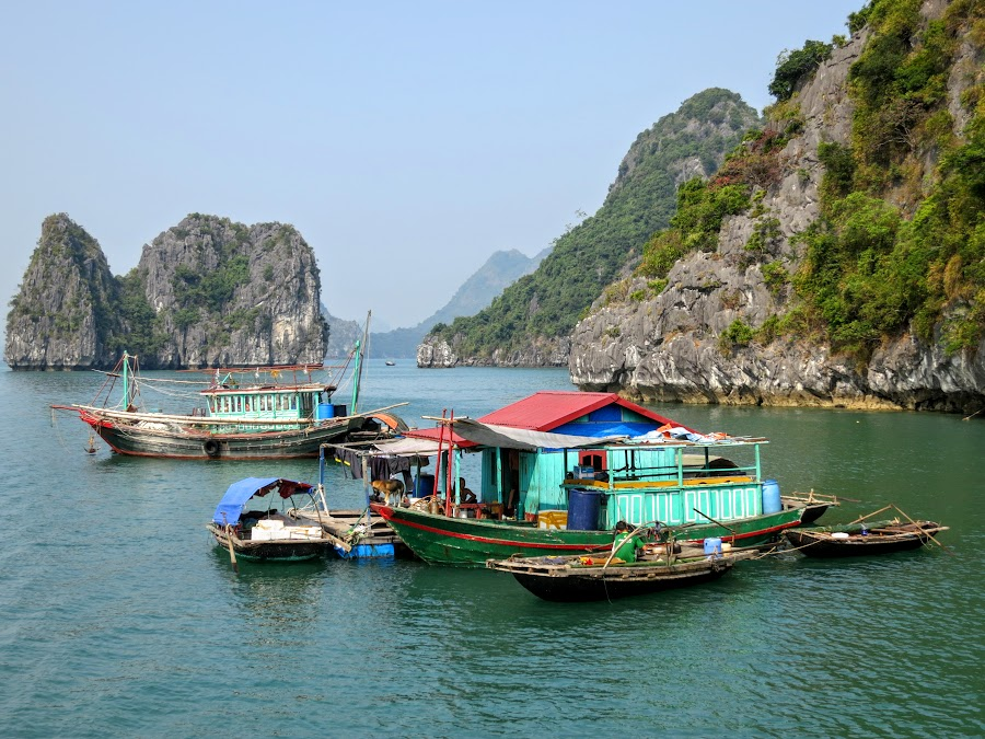 a glimpse into traditional fishing villages in halong bay photo famous for its unique landscape halong bay is also home to roughly 1 400 people sp among 400 families we were eager to discover these traditional