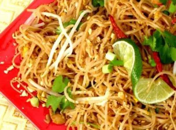 Chicken pad thai recipe just a pinch recipes chicken pad thai recipe forumfinder Images