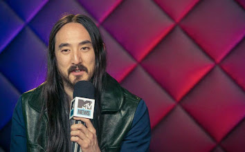 Photo: Announcing my headlining show at MSG and the details of my new album, #NEONFUTURE with MTV!