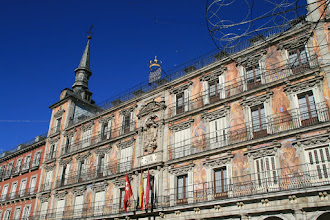 Photo: Vista de la Casa de la Panadería en la Plaza Mayor de Madrid.