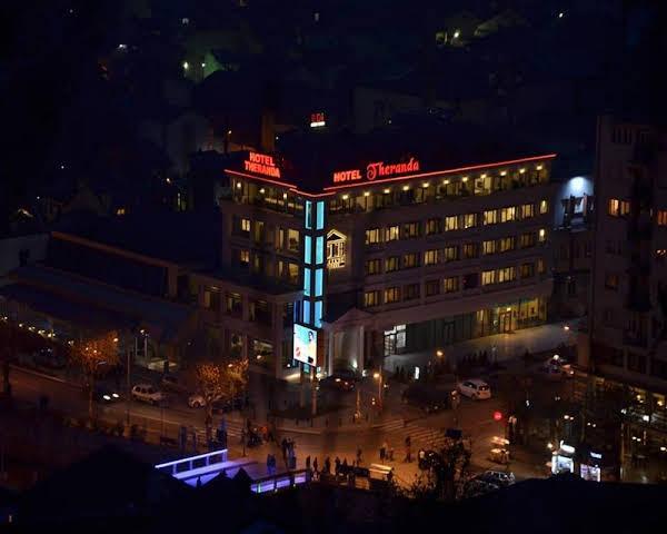 Theranda Hotel