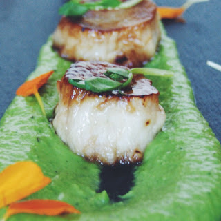 Seared Mushroom Scallops With Mint Pea Purée [Vegan]