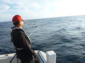 """Photo: 「釣り師」の""""戸田さん""""もヒーット!"""
