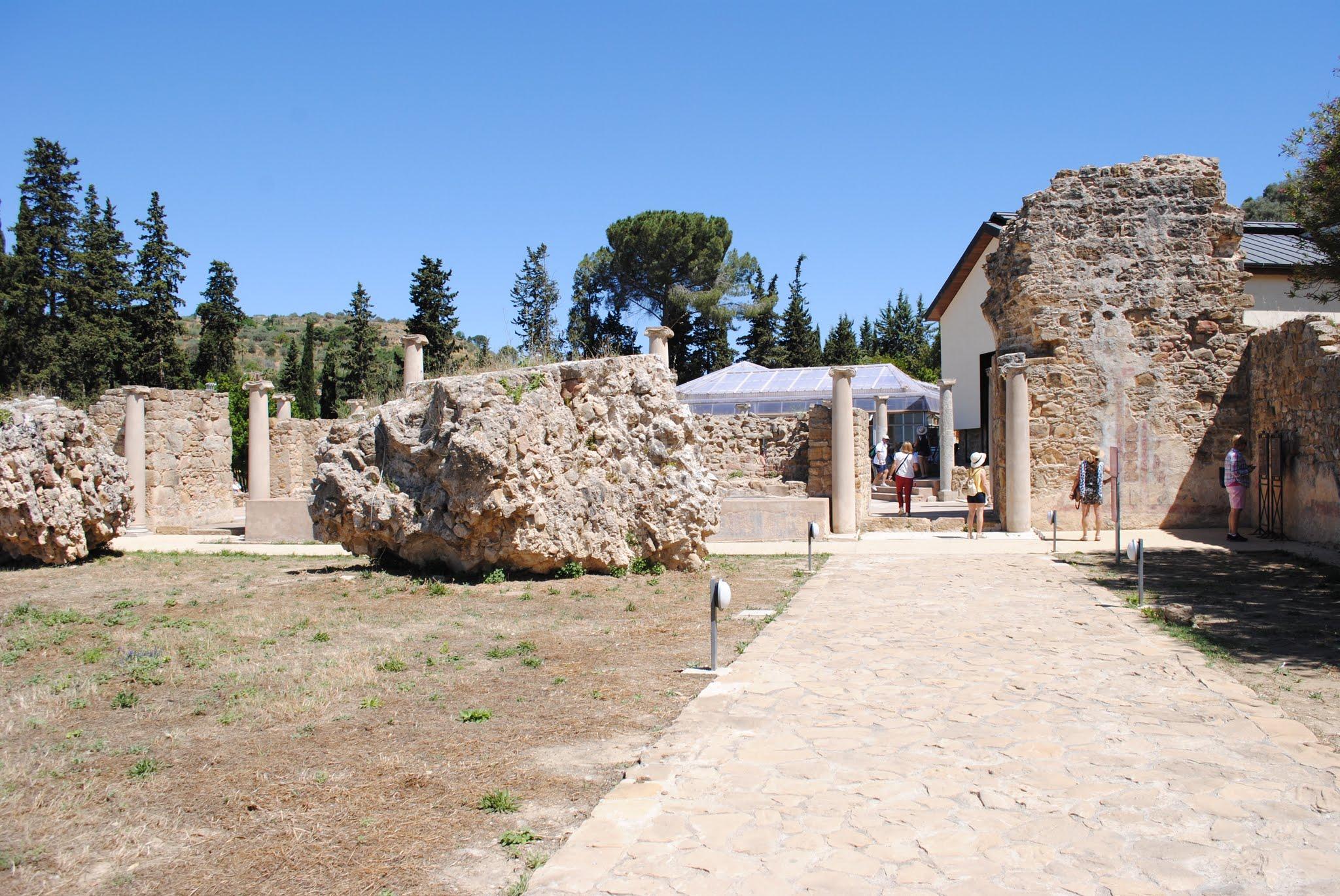 My Photos: Italy -- Mosaics -- Sicily -- Piazza Armerina -- Entrance Courtyard