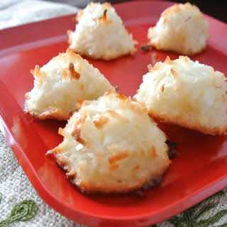 Christmas Cookies! Simple Coconut Macaroon Recipe (Gluten-Free).