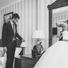 Wedding photographer Polina Rumyanceva (polinahecate2805). Photo of 15.08.2017