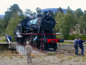 Photo: Norwegian Railway Club's steam engine type NSB 30a 271 on the turntable at Bjorli