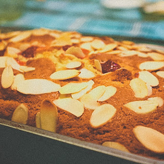 Cherry Almond Coffee[less] Cake