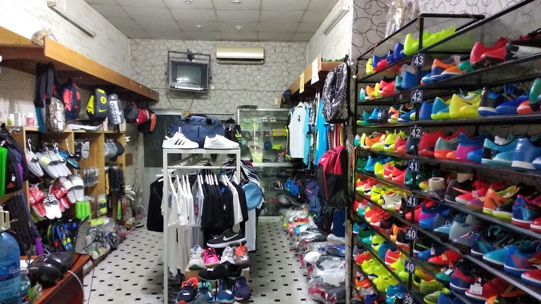 Nhuận Sport - Cửa hàng quần áo và giày dép thể thao nam - Shoe Store