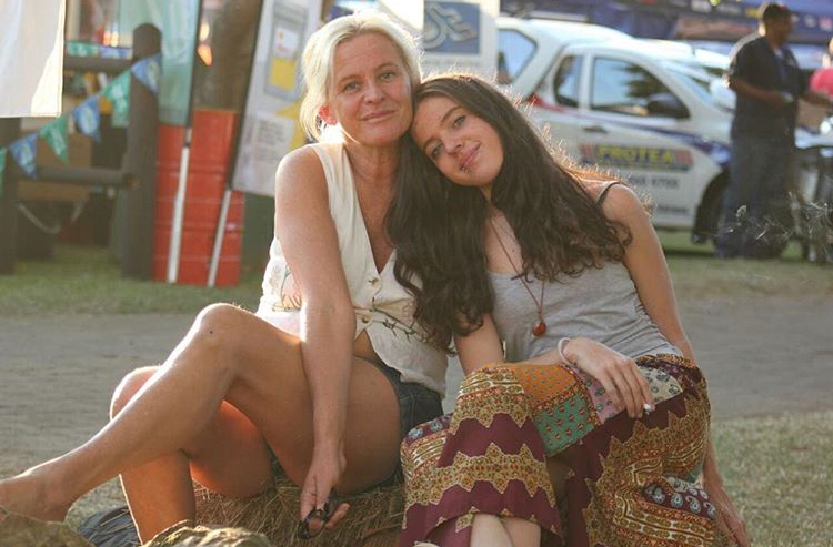 Murdered Siam Lee and her mother Carmen Nans Lee.