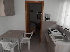Photo: Άλλη άποψη της κουζίνας του διαμερίσματος 16-A view of kichen in apartment No 16