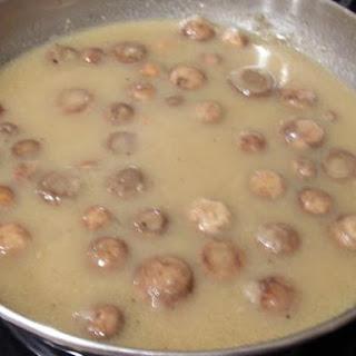 A Must Mushroom Gravy