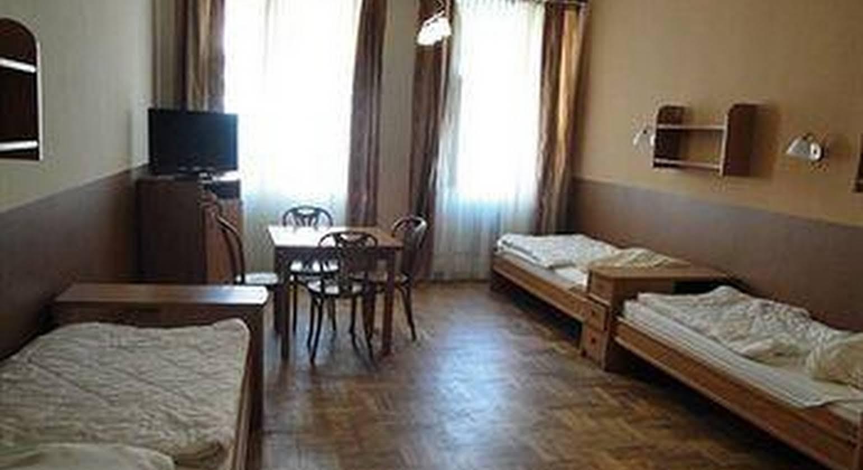 Brama Hostel