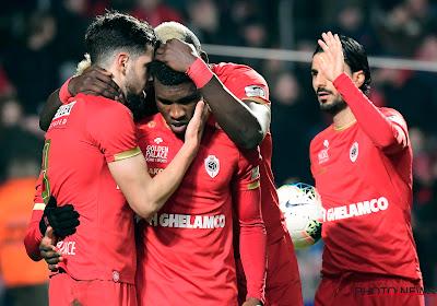 Penalty levert Antwerp tegen Zulte Waregem wél de zege op, Mbokani klaart de klus