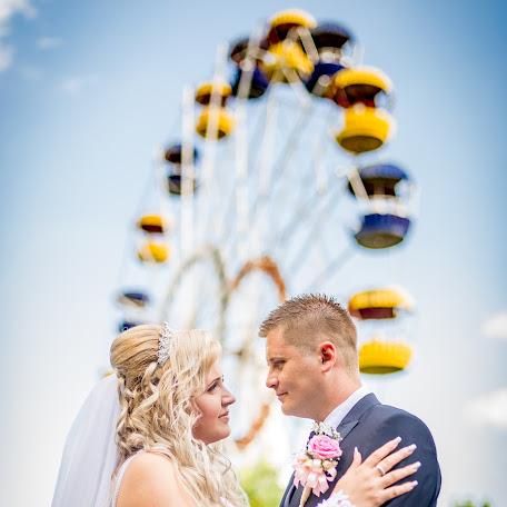 Wedding photographer Norbert Holozsnyai (hnfoto). Photo of 03.12.2017