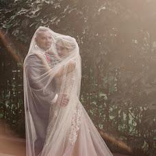 Wedding photographer Polina Rumyanceva (polinahecate2805). Photo of 09.09.2018
