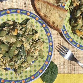 Clean Eating Zucchini Spinach Scramble