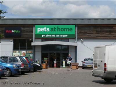 Pets At Home On Stafferton Way Pet Shops Pet Supplies In Town Centre Maidenhead Sl6 1ay
