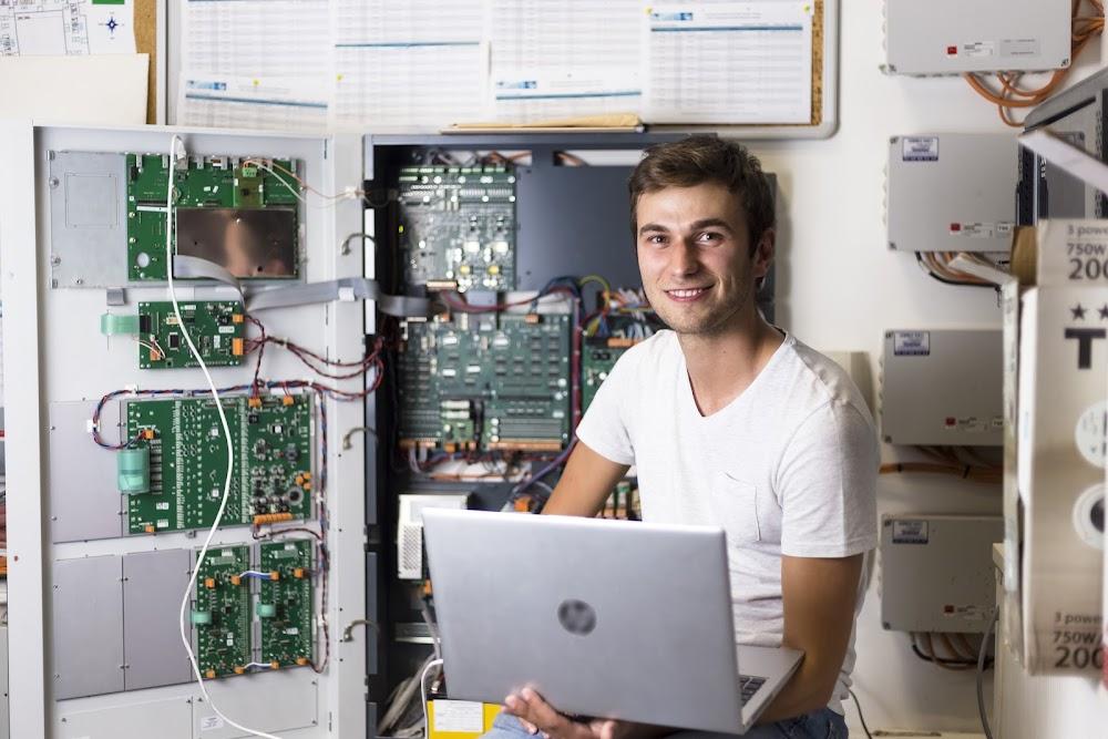 Paul, Technicien de mise en service