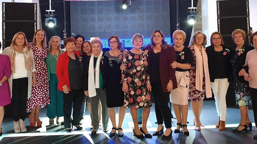 Las galardonadas en la edición de este año de los premios Reconocimiento a la Mujer Nijareña.