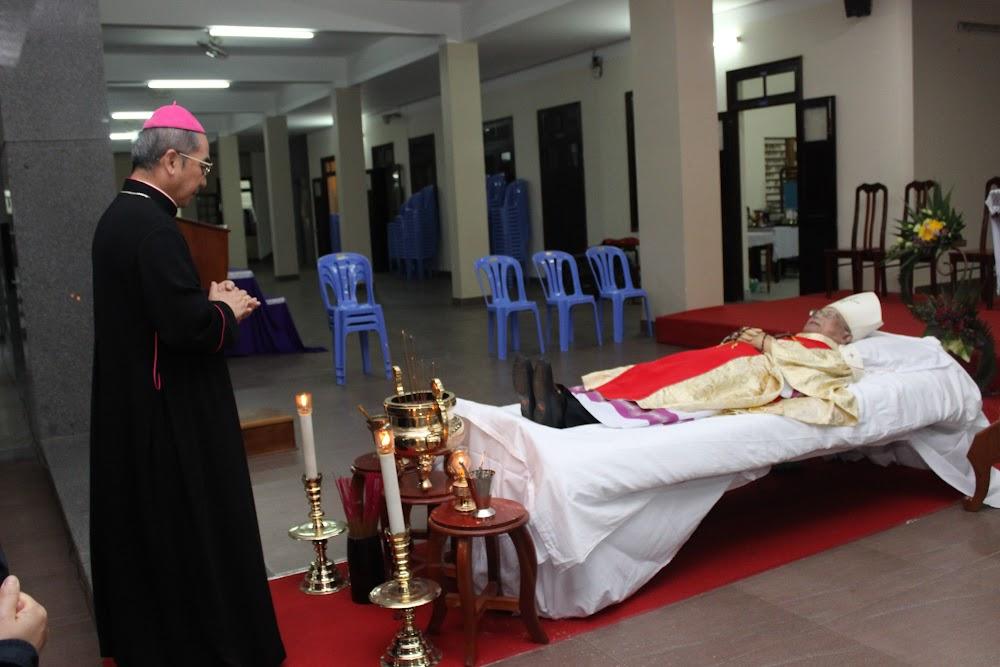 Các đoàn thể kính viếng Đức Cha Phaolô mới qua đời - Ảnh minh hoạ 8