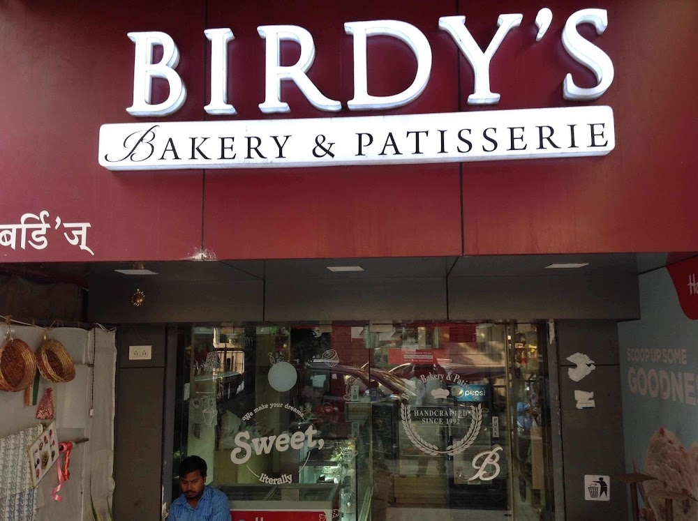 best-bakeries-mumbai-for-christmas-cake-birdys