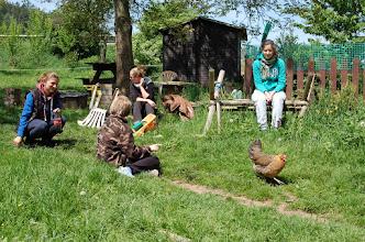 Photo: A przed i po szkoleniu, czas na wspólne pogadanki. Z kurami oczywiście.