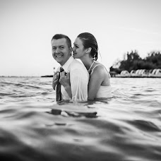 Wedding photographer Barnabás Bóna (bonabarna). Photo of 20.08.2017