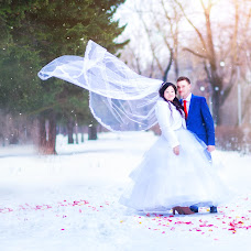 Wedding photographer Yana Starygina (Yanastary). Photo of 24.02.2016