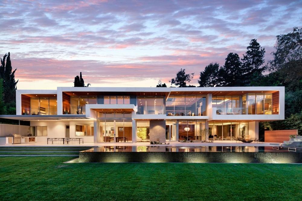 Nhà sang trọng lớn ở California