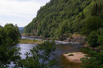 Photo: Der Fluss fliesst bis nach Mandal.