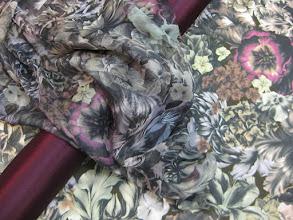 Photo: Ткань: шифон нат. шелк, ш. 140 см., цена 3200р. Ткань: плательная (50 % нат. шерсть 50% нат. шелк), ш. 150 см., цена 6000р.