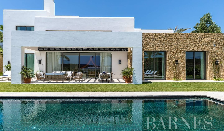 Villa with pool and garden Casares