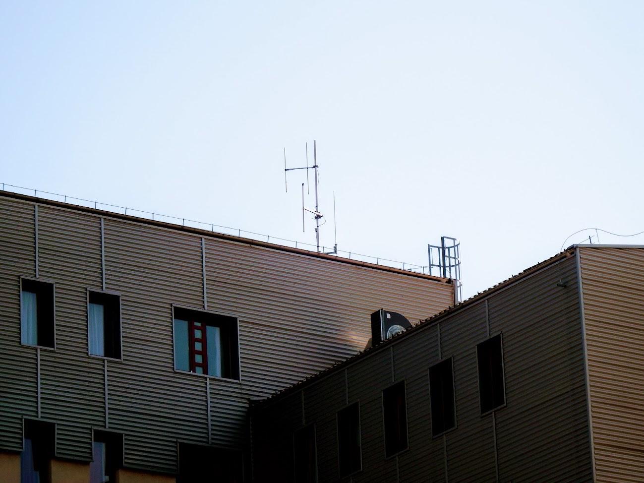 Dunaújváros/DUF kollégium - helyi URH-FM adóállomás