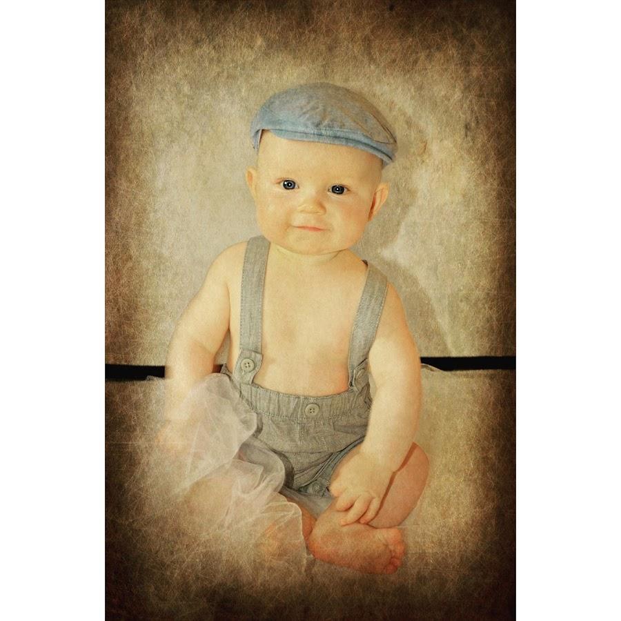Baby boy by Lisa Kirkwood - Babies & Children Child Portraits ( potrait, sepia, baby, baby boy, photography )