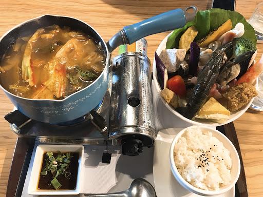 泰式酸辣海鮮鍋~ 份量足,還有小龍蝦😍😍