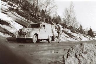 Photo: Muligens fra Lyheia. Ca. 1954.  Tjenestebil fra Rogaland???? ISs bil?Opel Caravan